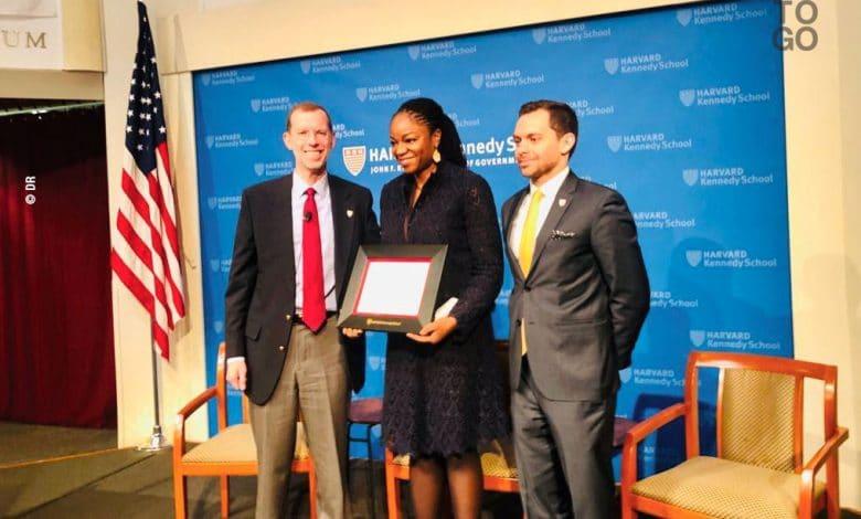 Cina Lawson lauréate du prix Public Service Award