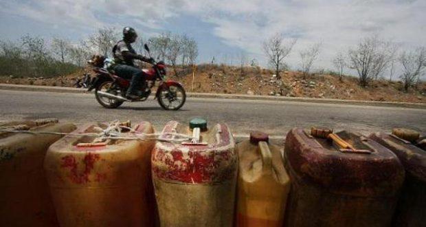 33000 bidons d'essence frelatée saisis par la police au Nigeria