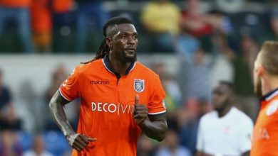 Photo of Football : Emmanuel Adebayor intéressé par Nîmes