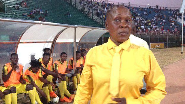 Victoria Conteh, première femme entraîneur de première division en Sierra Leone