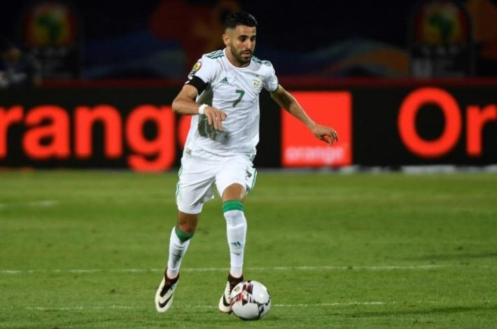 l'Algérien Riyad Mahrez contredit Drogba et Eto'o