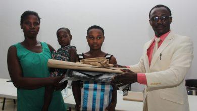 Photo of Togo : l'ONG Défi du Futur offre des kits scolaires à plus de 250 enfants