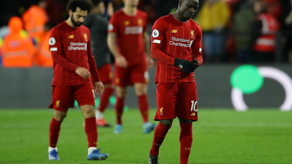 Sadio Mané et Mohamed Salah battus pour la première fois de la saison en championnat sur la pelouse de Watford, le 29 février 2020. REUTERS/David Klein