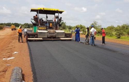 Prévus depuis quelques années, les travaux de dédoublement de la voie Avepozo-Aneho ont débuté. Ils sont financés par l'État togolais et la BOAD.