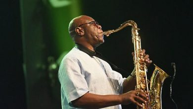 Mort de Manu Dibango Eto'o, Angélique Kidjo, Youssour N'dour, ces personnalités qui ont rendu hommage au saxophoniste