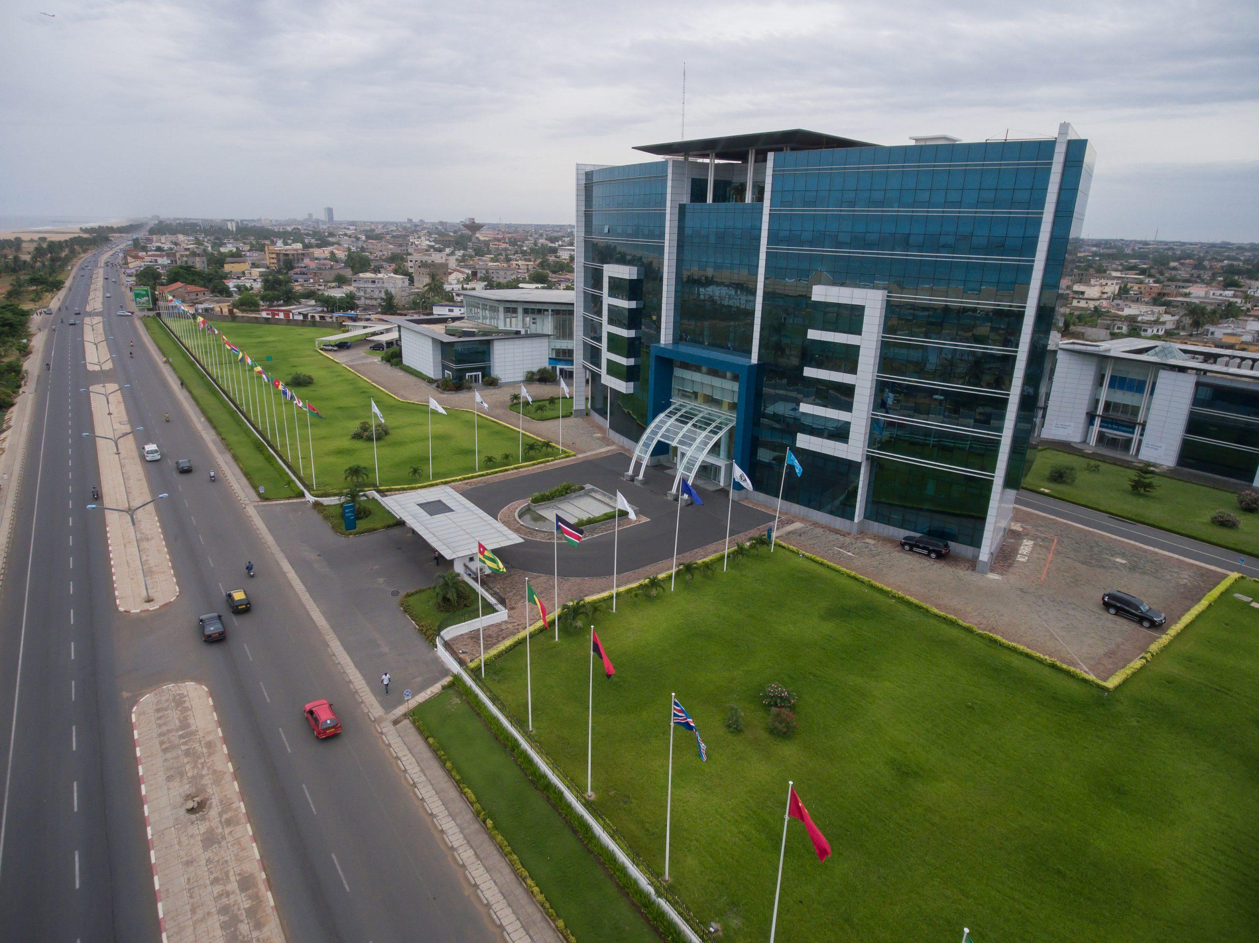 Ecobank annonce la fermeture de certaines de ses agences à Lomé pour lutter contre la propagation du coronavirus