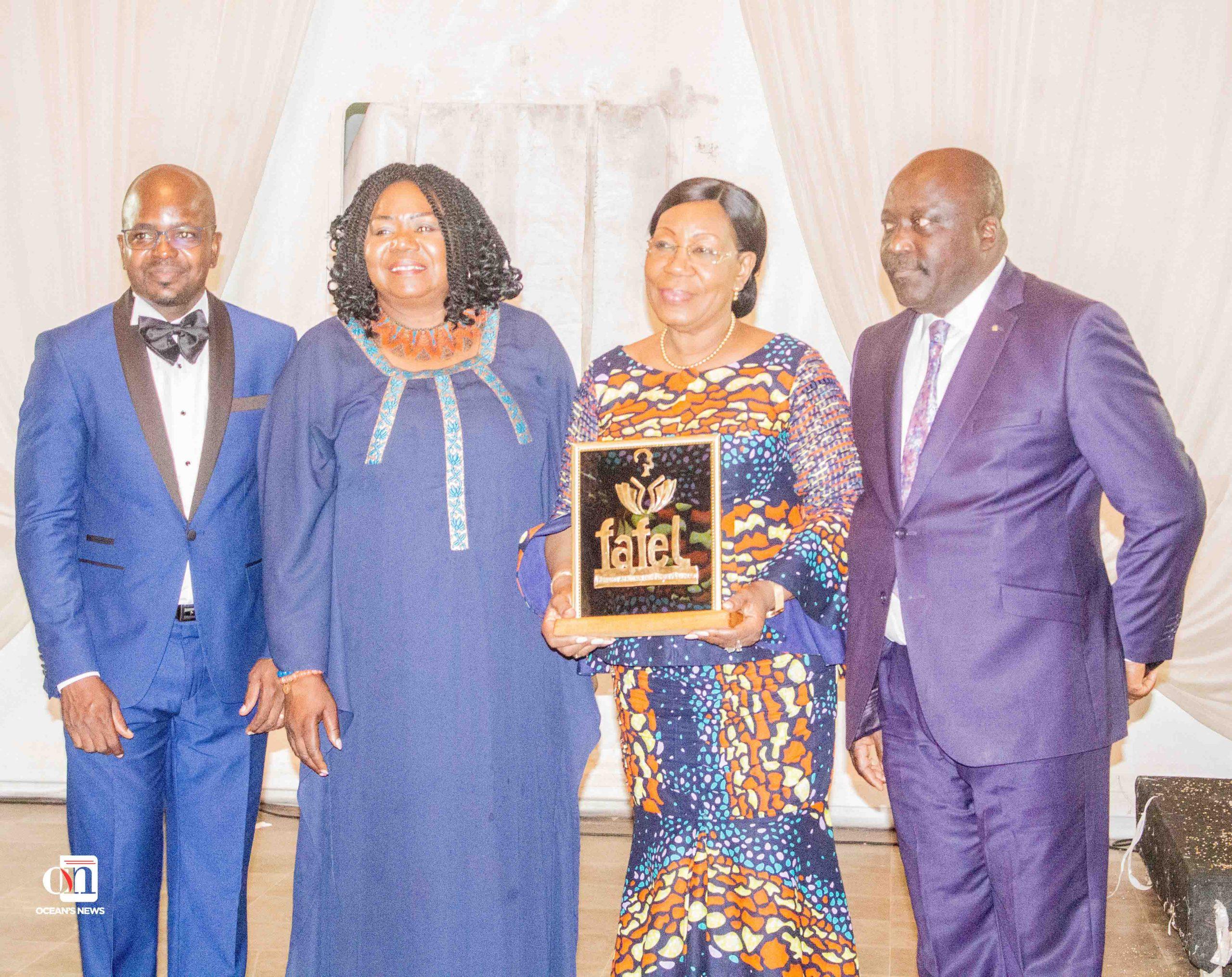 La distinction suprême du FAFEL 2020, le Golden Award (FAFEL Or) a été décernée à Son Excellence Madame Catherine SAMBA-PANZA, Ex-Présidente de la République de Centrafrique, Co-Présidente du Réseau des Médiatrices de l'Union Africaine FemWise Africa de l'UA.