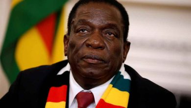Photo of Zimbabwe : le gouvernement réinstaure le couvre-feu sanitaire