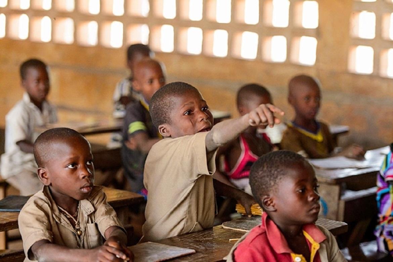 Le système éducatif s'adapte à la Covid-19 au Togo