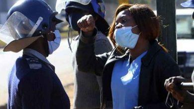 """Photo of Zimbabwe : plus de 100 000 personnes arrêtées pour """"violation"""" de mesure de protection contre la Covid-19"""
