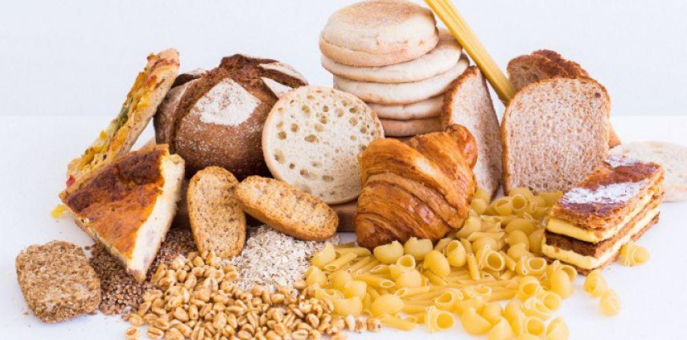 Le gluten est un terme générique pour un ensemble de protéines insolubles contenues dans des céréales comme le blé, l'orge et le seigle. Il est ce qui apporte élasticité et viscosité aux farines céréalières. Son nom est emprunté au latin et signifie « colle ».