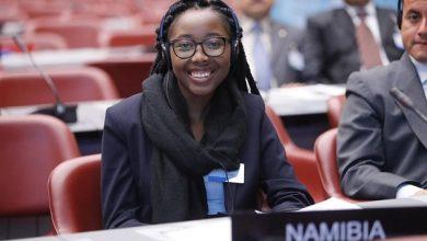 Photo of Emma Theofilus, 23 ans, ministre de la communication de la Namibie