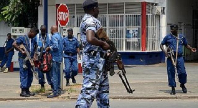 Coronavirus au Rwanda : la police abat deux personnes qui refusaient de se soumettre aux ordres de confinement