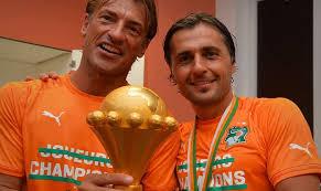 Patrice Beaumelle et Hervé Renard après la victoire des Éléphants à la CAN 2015