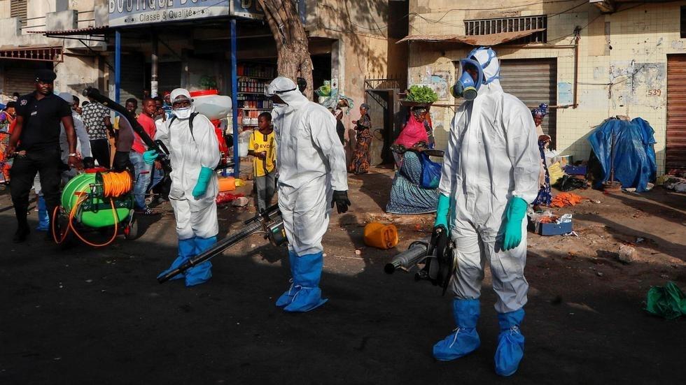Coronavirus : confinement en Afrique du Sud, couvre-feu au Sénégal et en Côte d'Ivoire
